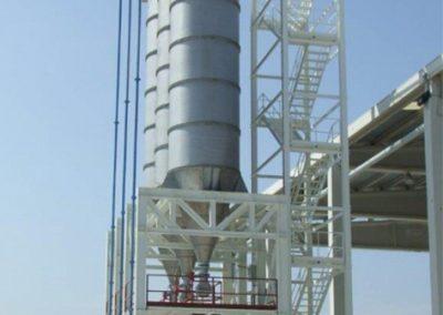 Bancada y escalera para silos